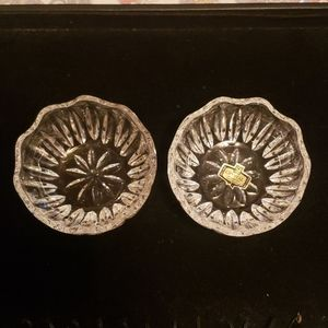 Set of crystal voltive holders,  i. Guessing